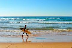 海滩,冲浪者,葡萄牙 免版税库存照片
