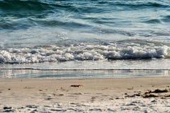 海滩,沙子,挥动 免版税库存图片
