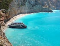 海滩,蓝色海巡航,小船旅行 免版税库存图片