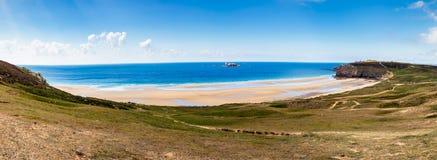 海滩Anse de在Presqu'ile de克罗宗, P的Pen Hat全景  库存照片