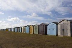 海滩dovercourt英国essex小屋 库存图片