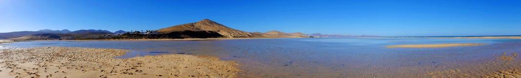 海滩Sotavento,费埃特文图拉岛,西班牙 图库摄影