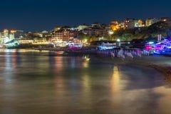 海滩Twinlight视图和索佐波尔,保加利亚的新的部分 免版税图库摄影