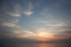 海scape场面在海洋,海滩海洋日落风景 双桅船 免版税库存图片