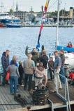 浸没塔林的海运日的潜水员 免版税库存照片