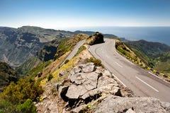浸泡一条路的轮在马德拉岛的mountainns的 免版税库存图片