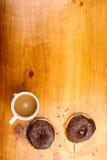 涂了巧克力的多福饼 免版税库存照片