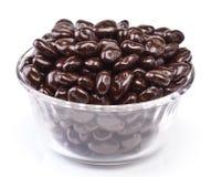 涂了巧克力的葡萄干 图库摄影