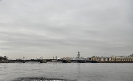 涅瓦河, StPetersburg,俄罗斯 免版税库存图片