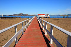 消失海湾五颜六色的码头的点 库存图片