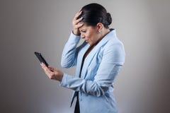 消息冲击的妇女收到 免版税库存图片
