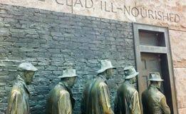 消沉在富兰克林・德拉诺・罗斯福纪念品的等救济队伍雕塑在华盛顿特区 图库摄影