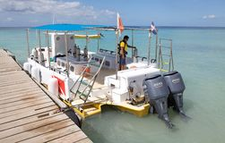 消遣小船的潜水 库存照片