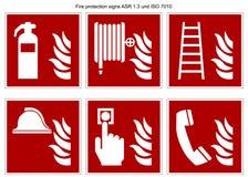 消防标志传染媒介汇集DIN 7010和ASR 1 在白色背景隔绝的3 皇族释放例证