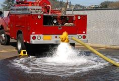 消防栓测试 免版税库存照片