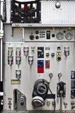 消防车与测量仪&拨号盘的仪表盘 免版税库存照片