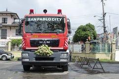消防车把变成婚礼汽车 图库摄影