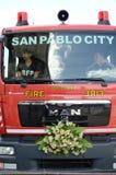 消防车把变成婚礼汽车 库存照片