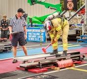 消防队员世界作战挑战的XXIV裁判员 免版税库存图片