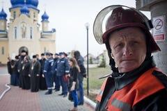 消防队员和教士 免版税图库摄影