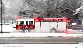 消防队员在一斯诺伊天 图库摄影