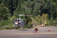 消防队员直升机 免版税库存照片