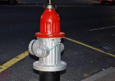 消防龙头红色盖帽 库存图片