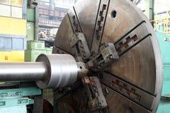 水涡轮制造  巨大的机器涡轮生产 植物的大部分 免版税图库摄影