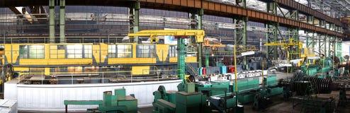 水涡轮制造  巨大的机器涡轮producti 库存图片