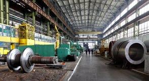 水涡轮制造  巨大的机器涡轮producti 图库摄影