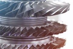 涡轮发动机 航空技术 航空器在博览会的喷气机引擎细节 被定调子的蓝色 图库摄影