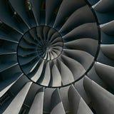 涡轮叶片飞过螺旋作用摘要分数维样式背景 螺旋工业生产金属涡轮背景 免版税图库摄影