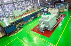 涡轮机器在能源厂室引起能量,力量电 电生成器 免版税库存图片
