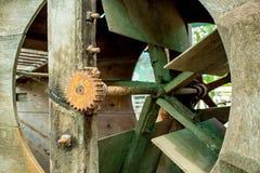 涡轮的生锈的钢扣练齿轮 图库摄影