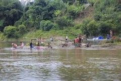 洗涤的区域在桑巴瓦地区 免版税图库摄影