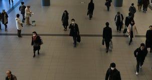 涩谷驻地的走的人自东京白天 股票录像