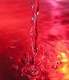 液体倾吐 免版税图库摄影
