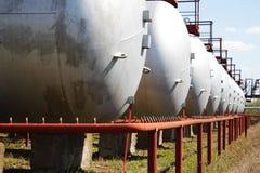 液化天然气圆筒(坦克) 免版税库存照片