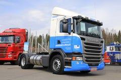 液化天然气Gasum供给动力的斯科讷G340卡车  免版税图库摄影