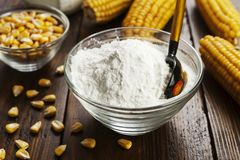 淀粉和玉米棒子 库存图片
