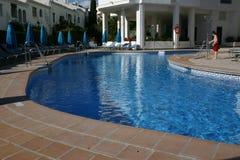 淋浴在输入的人员游泳池之前 图库摄影