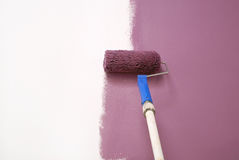 淡紫色绘画墙壁 库存照片