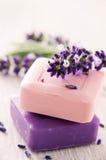 淡紫色肥皂 库存照片
