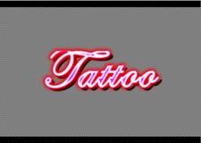淡紫色被带领的纹身花刺霓虹商店剥离背景 免版税库存照片
