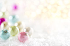 淡色圣诞节中看不中用的物品装饰 免版税库存照片
