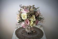 淡色新娘花束 库存图片