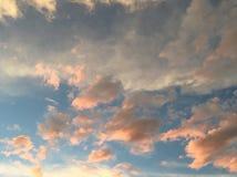 淡色cloudscape 免版税图库摄影