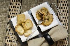 淡菜开胃菜和多士 免版税图库摄影