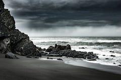 淡水岩石海滩加利福尼亚太平洋海岸 免版税库存照片