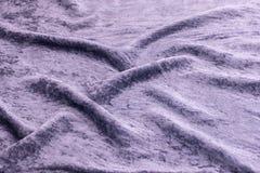 淡紫色天鹅绒特写镜头 纹理和背景的织品宏指令 库存图片